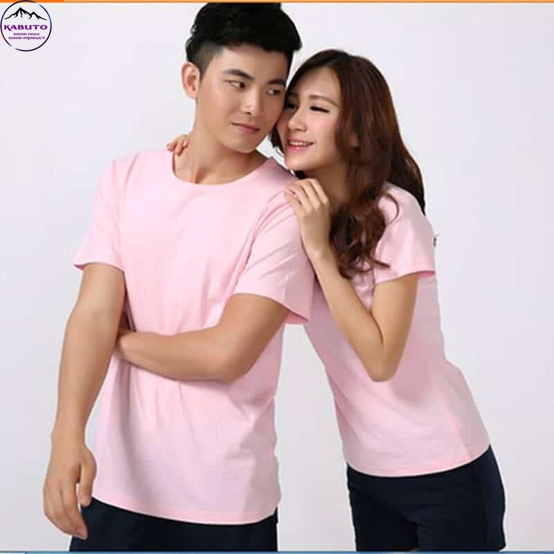 Áo thun màu hồng cho cặp đôi