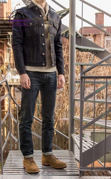 Áo khoác denim đen phối với quần jean đen