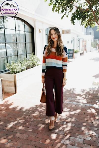phối áo sweater màu sắc với quần tây
