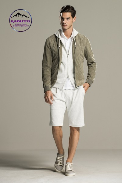 Bomber jacket kết hợp áo thun và quần short nam