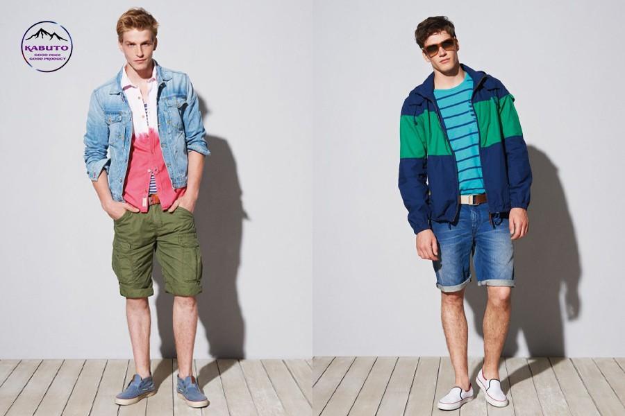 kết hợp áo thun quần short và áo khoác