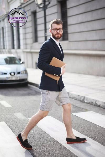 Phối quần short áo thun nam cùng áo vest