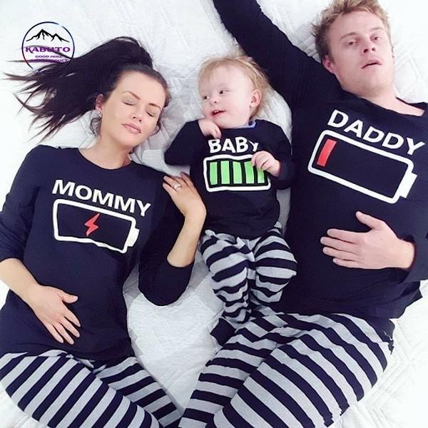 quần áo đồng phục gia đình