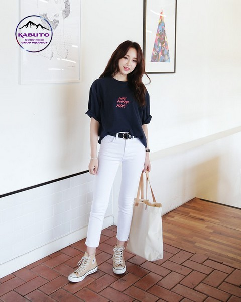 áo thun oversize nữ kết hợp quần jean